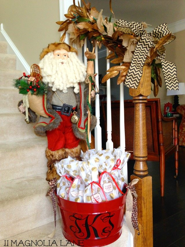 Foyer_Santa_Treats