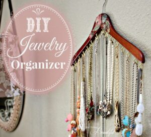 Operation: Organization 2014 ~ Jewelry Organization from All Things Beautiful