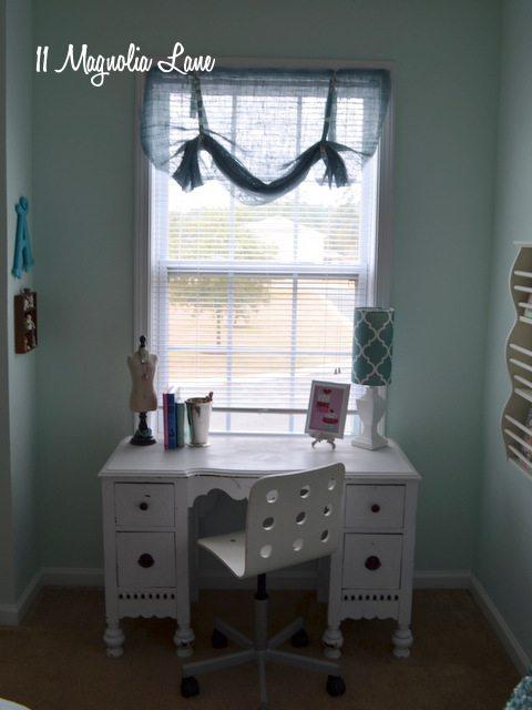 aqua-room-desk