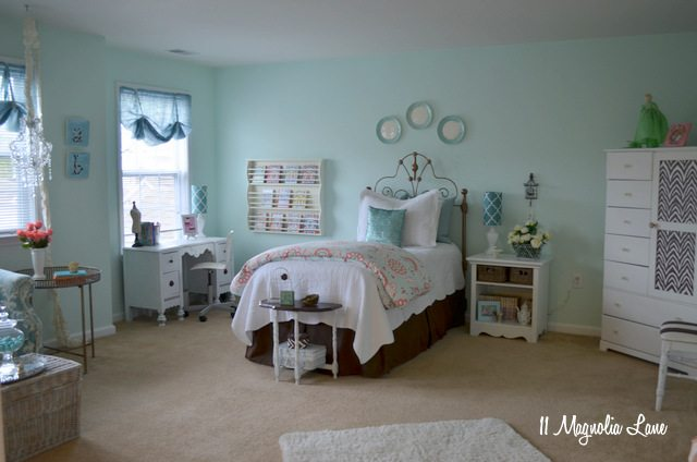 aqua girls bedroom