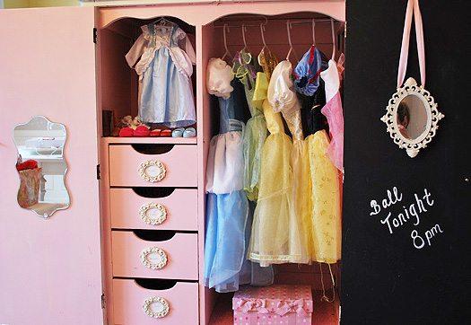 wide-dress-up-closet