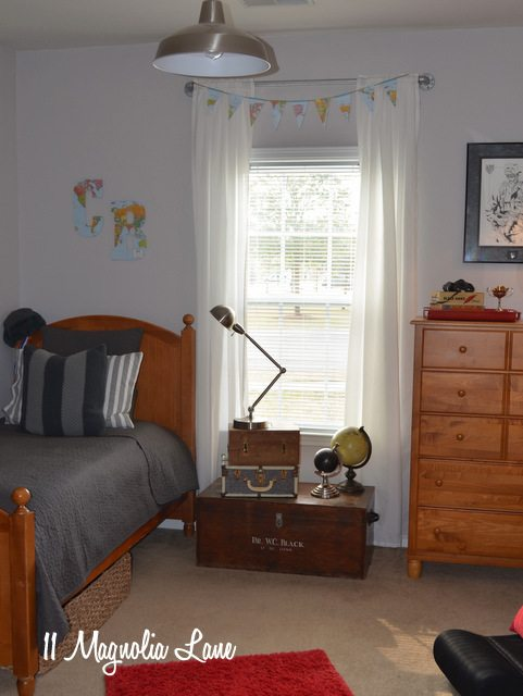 teen-boy-room-window