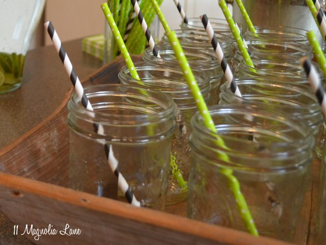 mason jar glasses paper straws