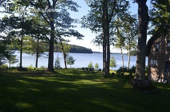 cabin-lake-picture