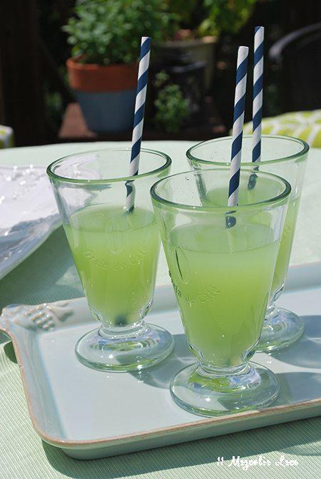 green-drink-straws