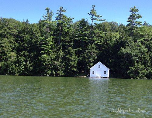 maine-boathouse