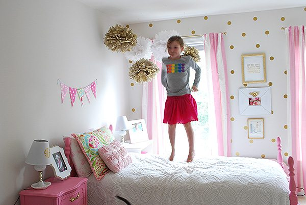 sloane-jumping-bed