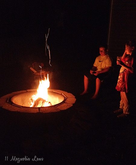 kids-by-firepit