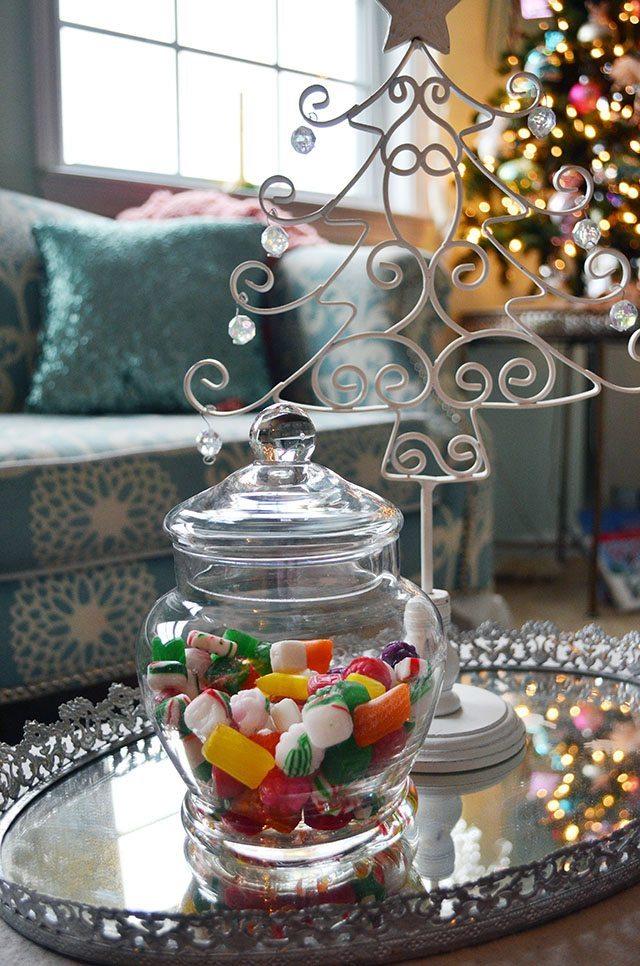 Aqua and Pink Girls' Room Christmas Decor | 11 Magnolia Lane