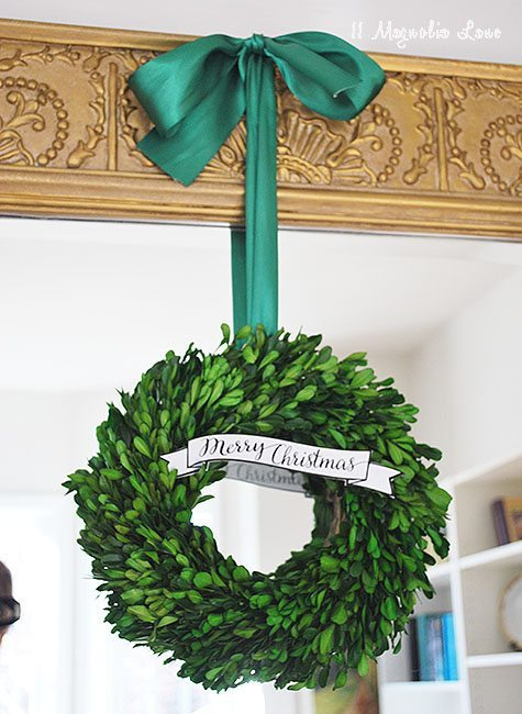 christmas-boxwood-wreath