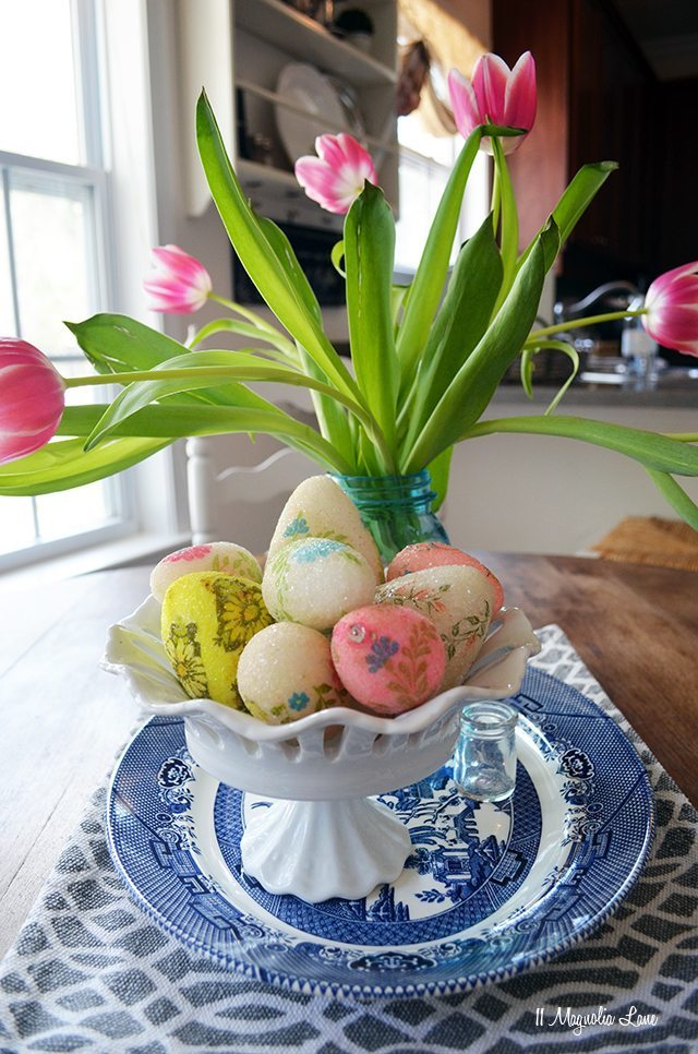 Kitchen table with Spring and Easter decor | 11 Magnolia Lane