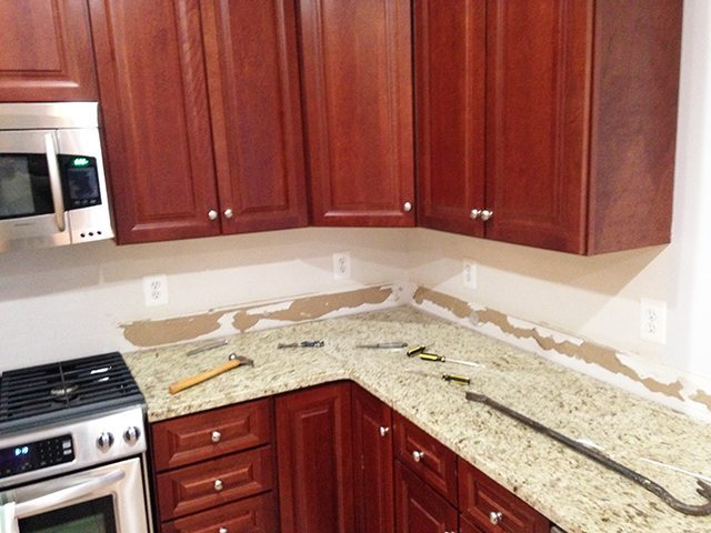 marble-backsplash-before