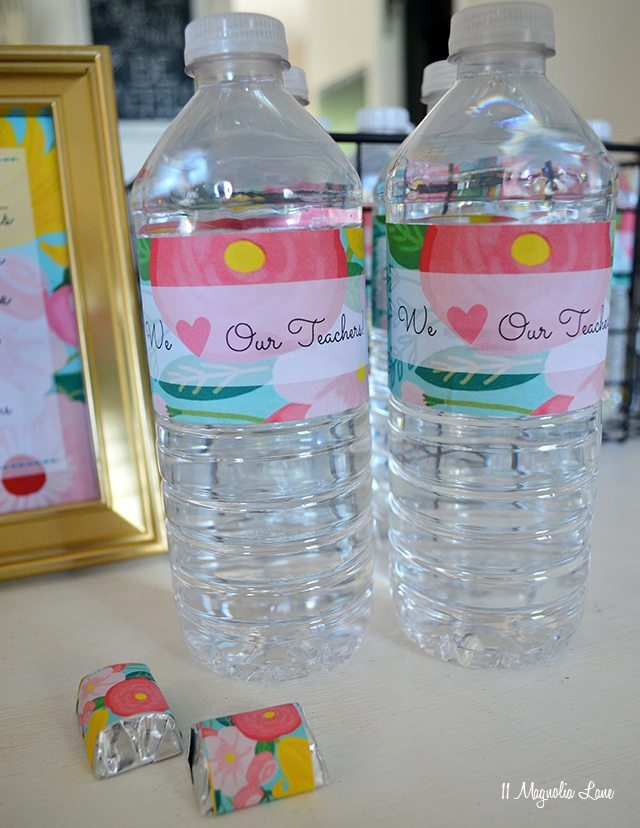 Free printable floral teacher appreciation water bottle labels | 11 Magnolia Lane