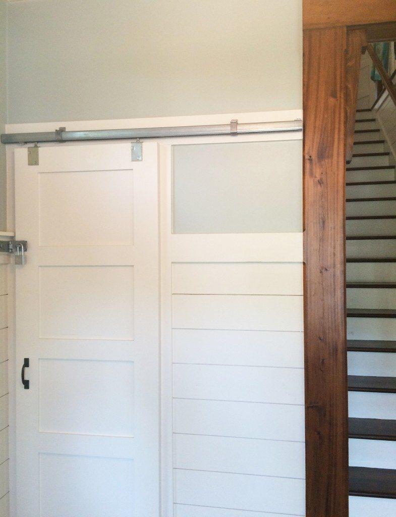beach-door-hallway