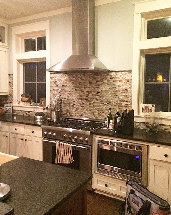beach-house-kitchen