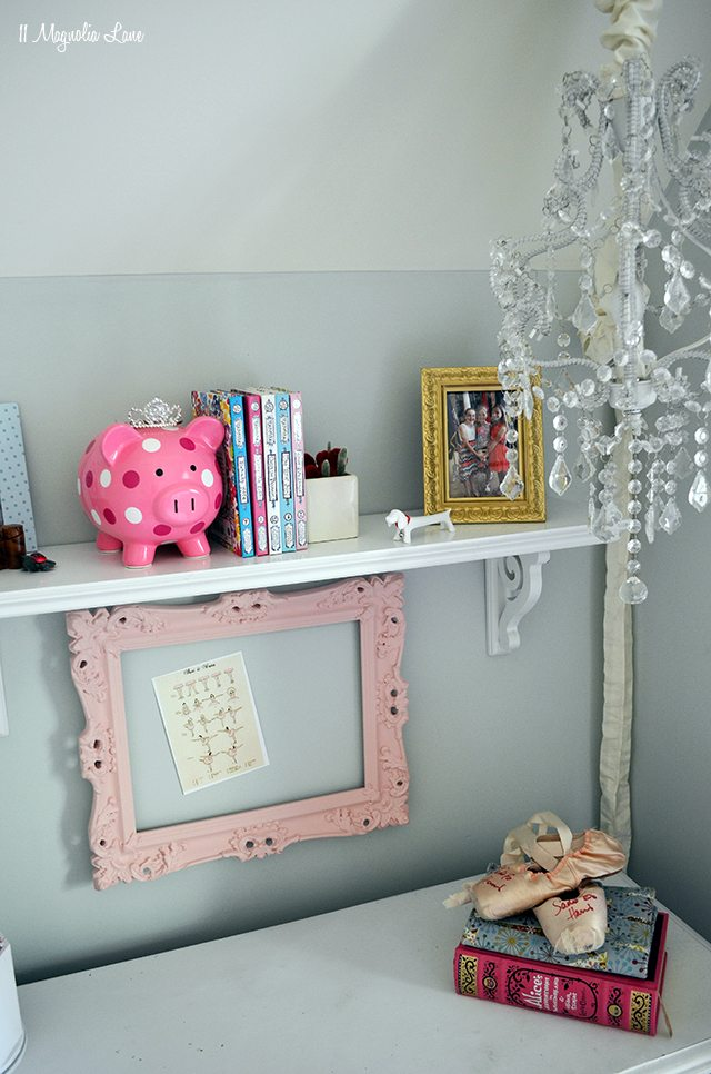 Preteen girl desk area | 11 Magnolia Lane