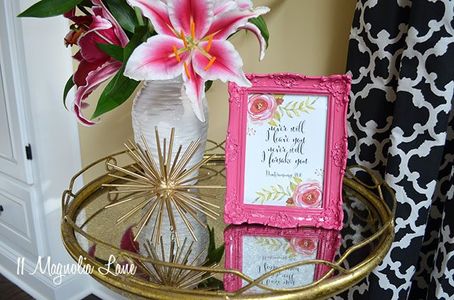 Bible verse printable in a pink frame is an encouraging gift for a friend going through cancer or chemotherapy | 11 Magnolia Lane