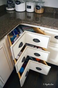 Great use of kitchen space--corner drawers instead of lazy susan cabinets | 11 Magnolia Lane