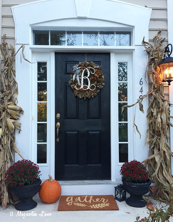 fall-door-decor-11-magnolialane