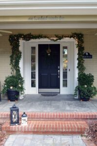 Front porch Christmas decor | 11 Magnolia Lane