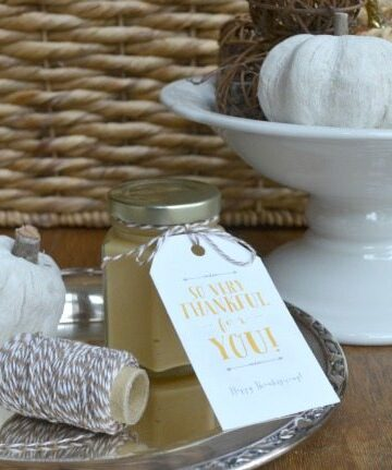 Homemade mustard recipe -- easy to make and a great hostess gift! | 11 Magnolia Lane