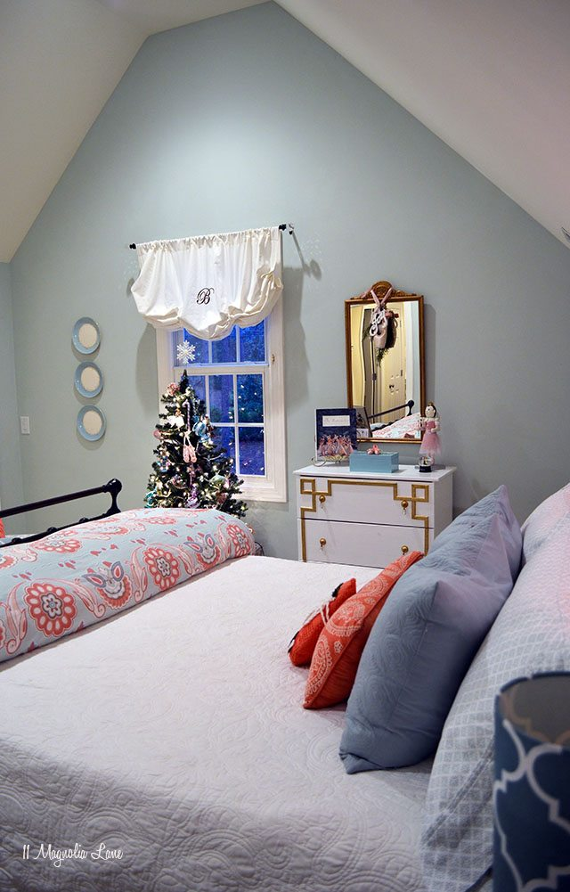 Nutcracker-themed girls' room decorated for Christmas | 11 Magnolia Lane
