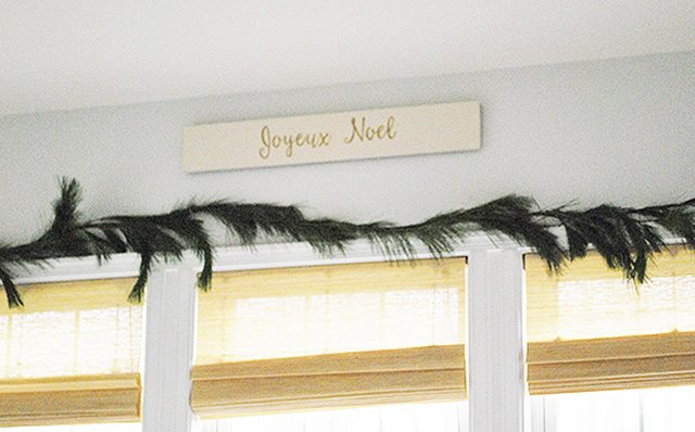 close-up-joyeaux-noel-sign