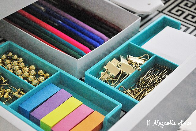 desk-drawer-2-contents-office-organization