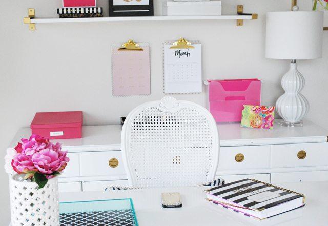 desk-view-operation-organization-office