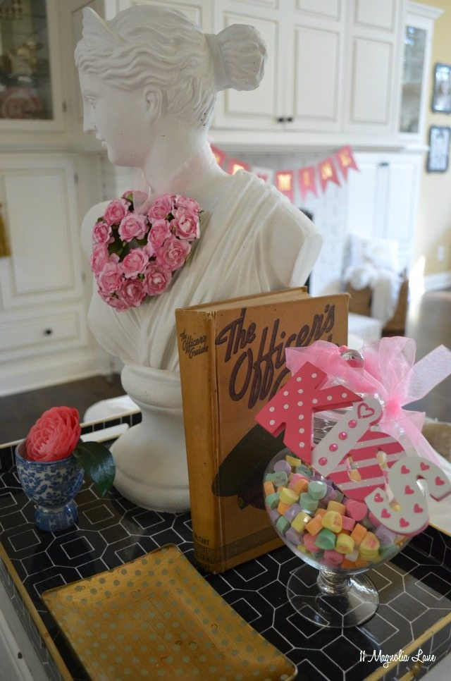 Valentine's Day decor | 11 Magnolia Lane