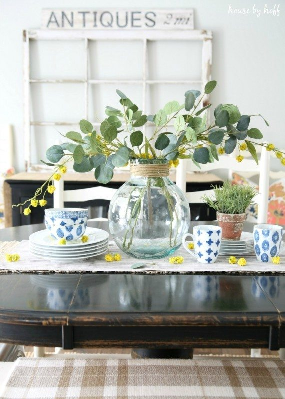 Favorites from the March Pretty Project Party including Spring Decor from House by Hoff