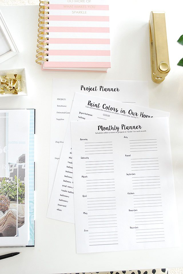 A free printable planner--The Whole House Home Decor Planner--the same tools we use to keep motivated and organized in decorating our homes.