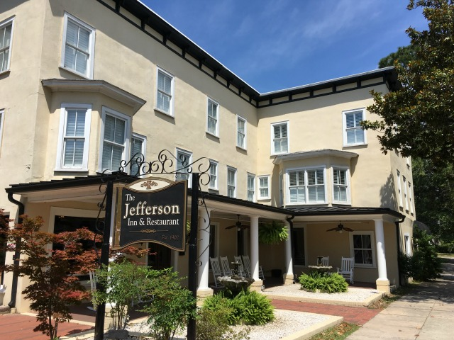 Jefferson Inn in Southern Pines, NC | 11 Magnolia Lane