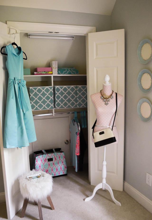 Organized closet for back to school | 11 Magnolia Lane