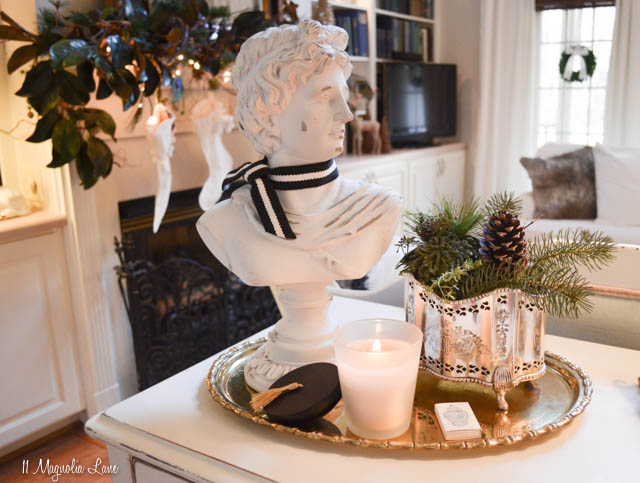 Traditional blue and white Christmas decor | 11 Magnolia Lane