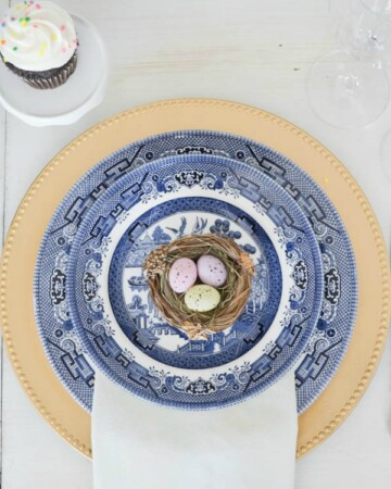 Easter table blue willow