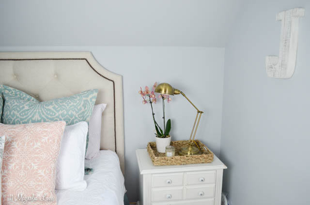 Aqua, pink, and gold girls' room | 11 Magnolia Lane