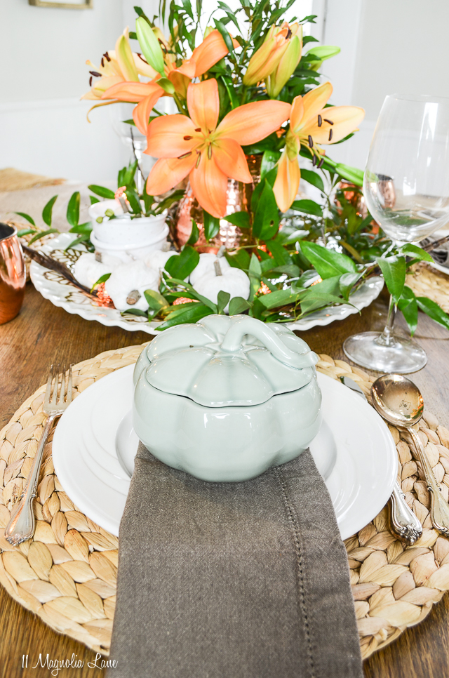 Casual but elegant fall tablescape with copper touches | 11 Magnolia Lane