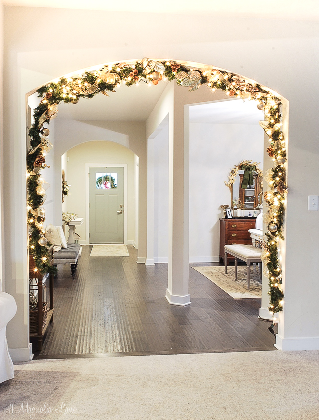 How to DIY an Expensive Looking Christmas Garland