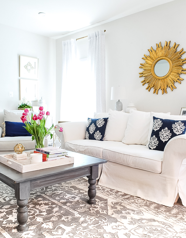 Amy's Virginia Craftsman Summer Home Tour, neutral decor with pops of blue