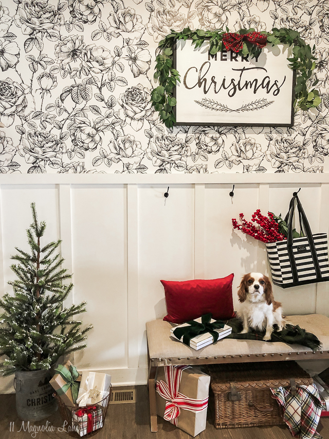 Holiday Loft + Mudroom (Amy's House)