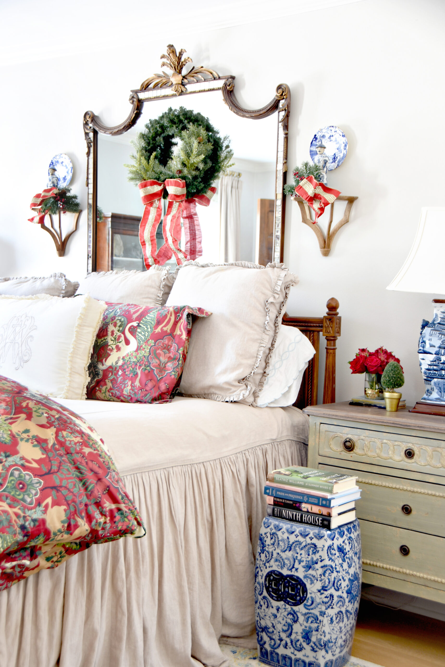 Holiday Tour of Homes Featuring Six Beautiful Christmas Bedrooms