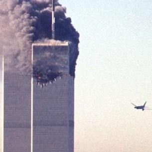 Le deuxième avion avant qu'il ne s'écrase sur la tour Sud