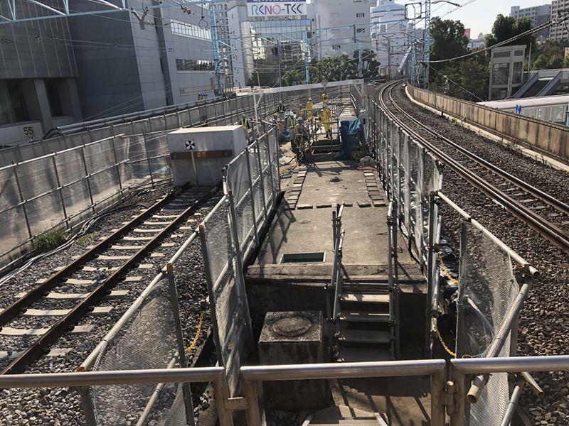 JR桜木町駅に作られている新しい改札工事の様子
