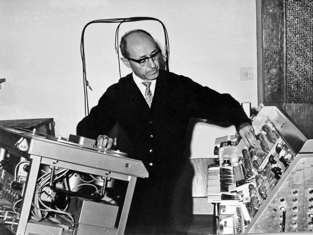 Josef Tal at the electronic music studio Jerusalem