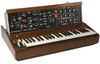 MINIMOOG SYNTHESIZER MODEL D