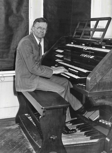 Richard Ranger at the Rangertone Organ