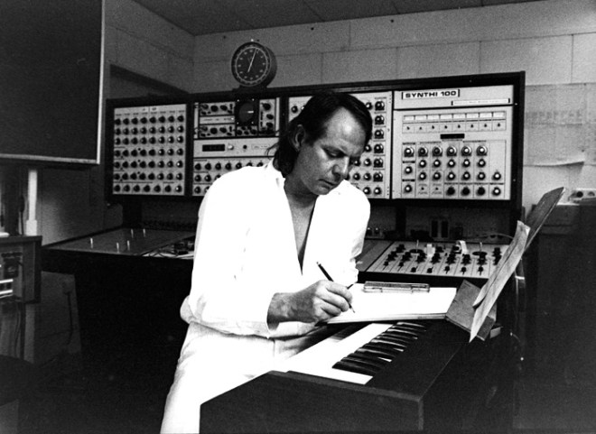 Stockhausen by the custom Synthi 100 at the WDR Studio in the 1970s