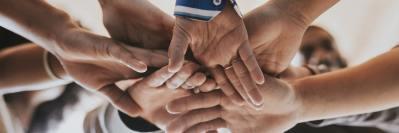 community-of-people-teamwork-QNV76ZK-min