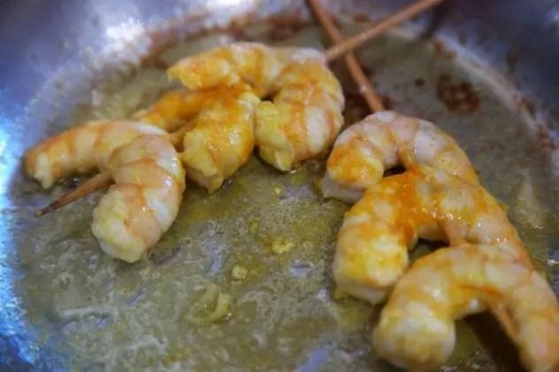 crevettes curcuma